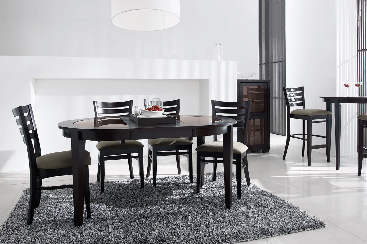 Table ronde extensible sara ch ne coloris wenge for Salle a manger grise conforama